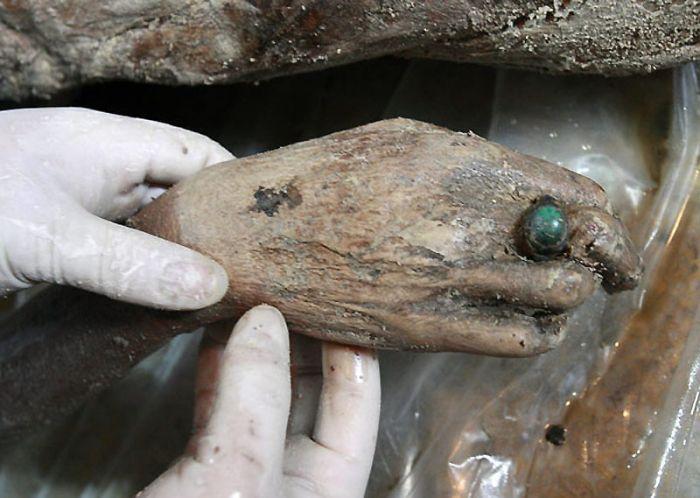 ancient mummy found