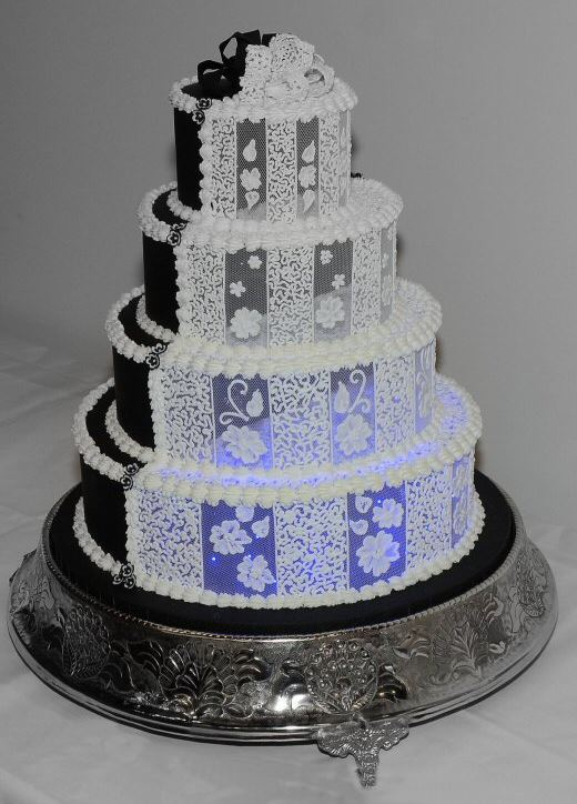 11 Absolutely Spectacular His And Her Wedding Cakes