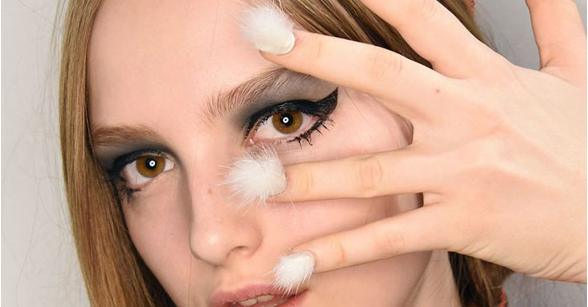 Furry Nails, The Newest Trend In Manicures