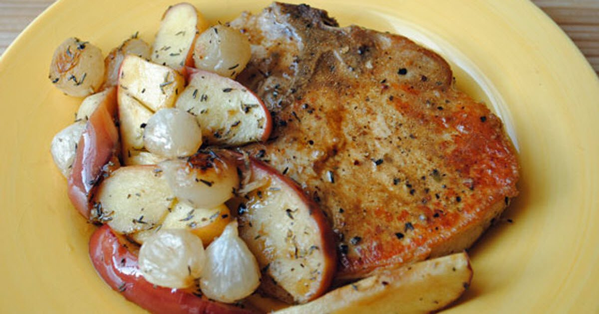 Pork Chops With Roasted Apples And Onions Is A Savory And ...