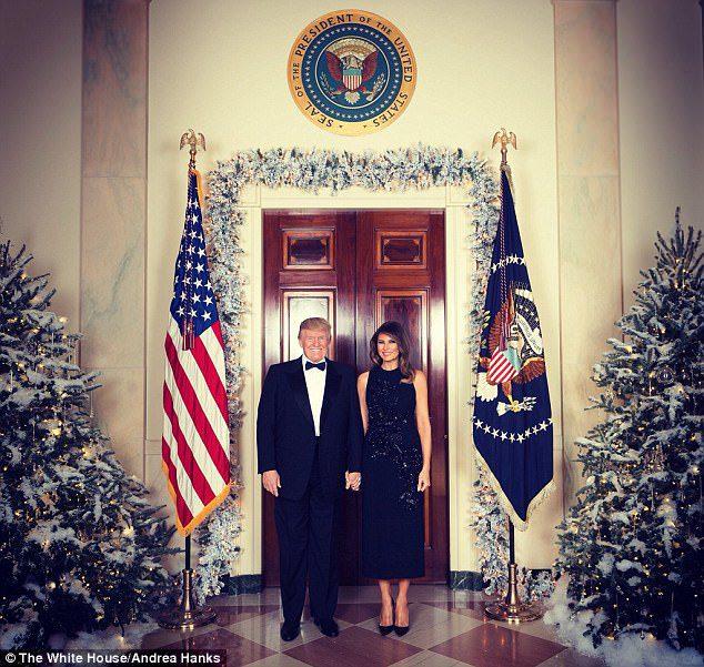 trump family christmas portrait